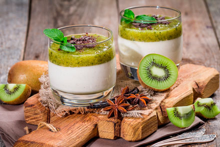 Ricotta and kiwi mousse