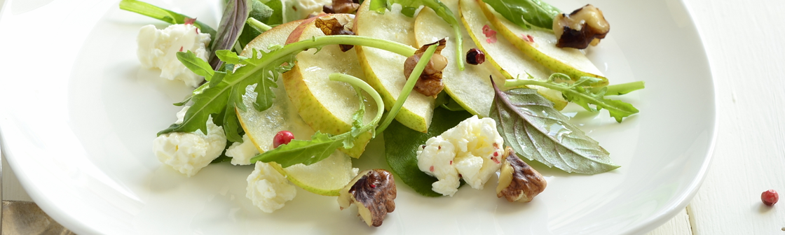 Pear and ricotta salad