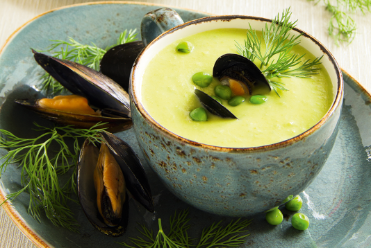 Cream soup with mussels